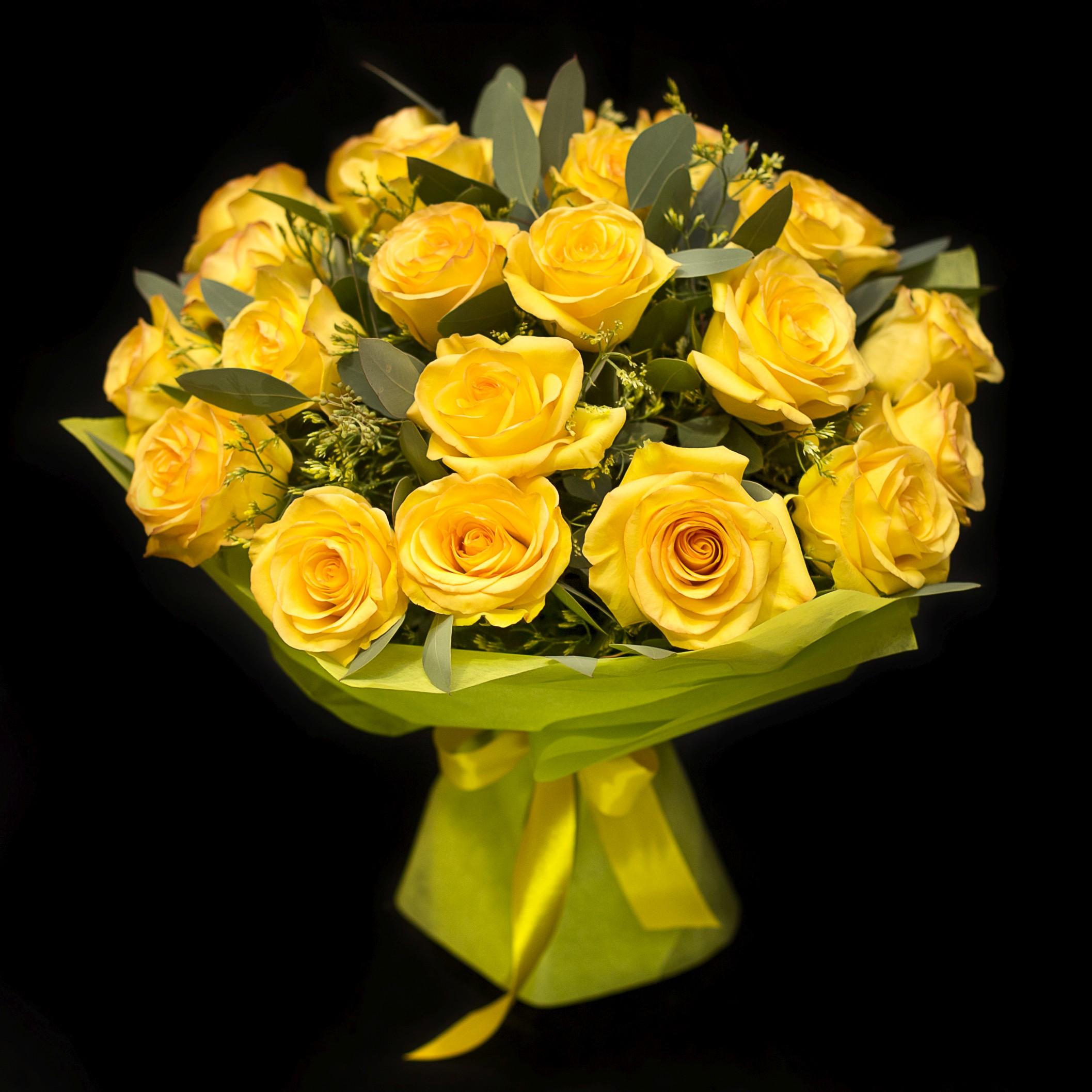 Огромный букет желтых роз фото